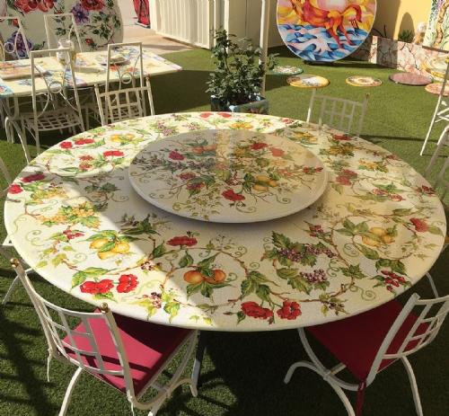 Tavoli in ceramica pietra da giardino | Ceramiche Leoncini