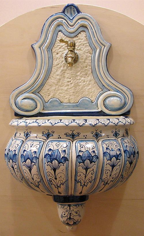 Ceramica artistica fontane ceramiche fn901 ob090 - Fontane a muro per esterno ...